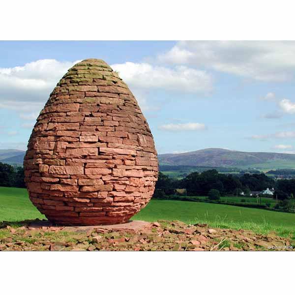 Goldsworthy-Jungcurrents-Red-Stones-Egg